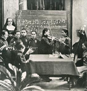 Carol practice in a French mission in China, early twentieth century (b/w photo)
