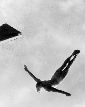 Olympic Games in Helsinki : diving during swimming events July 29, 1