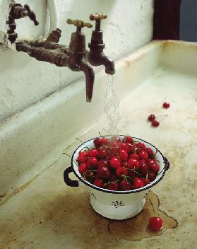 Washing cherries 1988